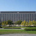 福岡県知事選、自民分裂回避