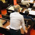 行橋市議が公有地を不法占有 小坪慎也市議が追及し、田中純市長が謝罪